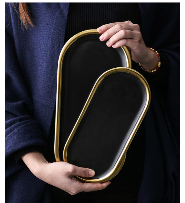 platou ceramica black w gold